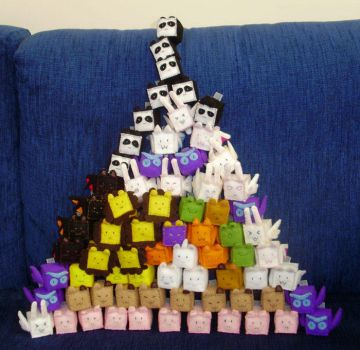 Cuboodle Pyramid by ninthDream