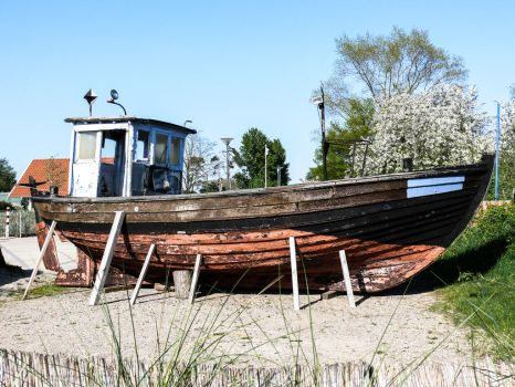 Old Boat _ AltesBoot 2 by BVFoto