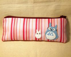 Pink totoro pouch by yael360