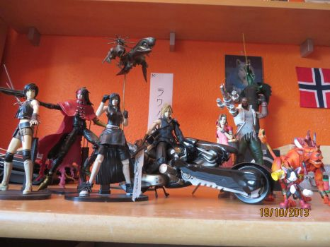 Final FantasyVII AdventChildren PlayArts AVALANCHE by OkamiFenrir