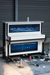 Spraypainted Piano by mhummelt