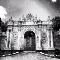 Dolmabahce Sarayi by Nohition