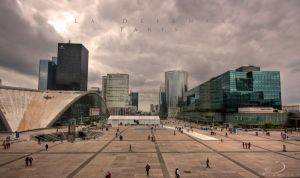 La Defense by Linkineos