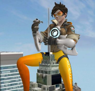 Queen Tracer by roodedude