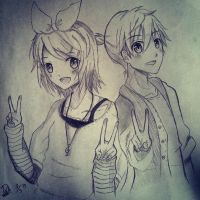 Kagamine Rin and Len by Debi-Cristy