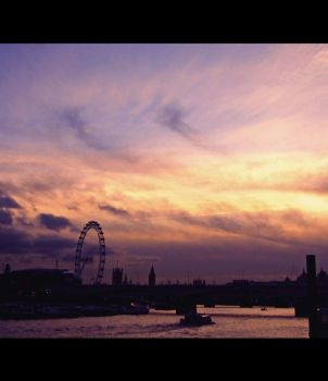 Waterloo Sunset by eileanrose
