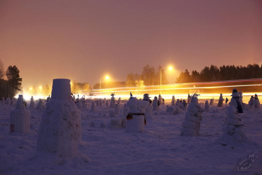 Snowmen's traffic control by HeidyRolland