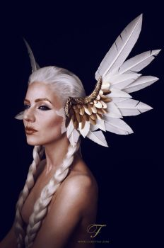Valkyrie headdress by Fairytas
