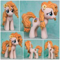 SPOILERS Pear Butter/Buttercup Beanie Plushie by ButtercupBabyPPG