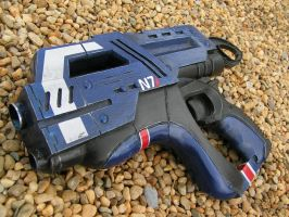 WORKING MASS EFFECT M6 CARNIFEX HAND CANNON by faustus70