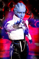 Mass Effect 2 - Biotic powers by love-squad