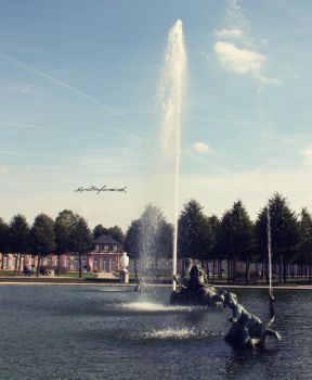 fountain by backatone