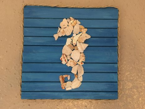 Shell Puzzle Seahorse by BlackAngelLight