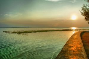 Sunset from Pramuka Island by adhamsomantrie