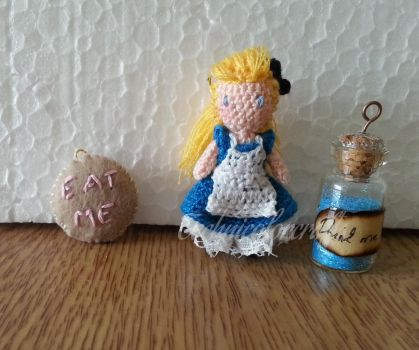 Alice by technicolorcrafts