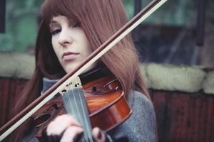 Violinist IV by doctor-surgeon
