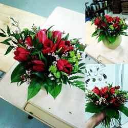 Flower bouquet - Red tulips by finlande