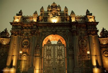 DolmaBahce Palace by thenoiseless