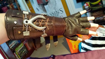 Connor Kenway Cosplay - Leather Gauntlet by prophet1991