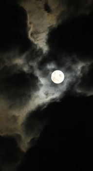 Supermoon - Crack in the sky