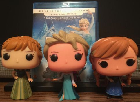 Movie and Funko Pop - Frozen by FlyingPrincess